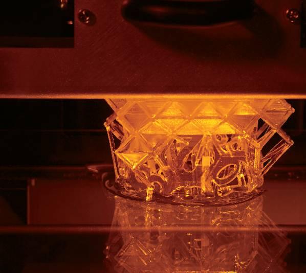 Roland DG heeft onlangs de eerste 3D-printer van deze Japanse fabrikant geïntroduceerd.