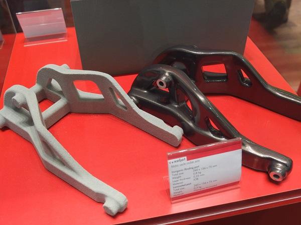 Een draagarm voor een motor, 3D geprint door Voxeljet.