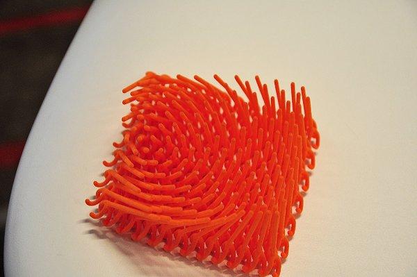 Het materiaal heeft dezelfde eigenschappen als een TPU voor spuitgiettoepassingen, maar is geschikt voor 3D printen.