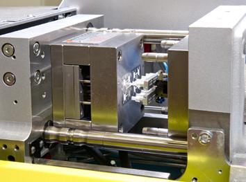 Boy spuitgietmachine combineert 3D printen met spuitgieten