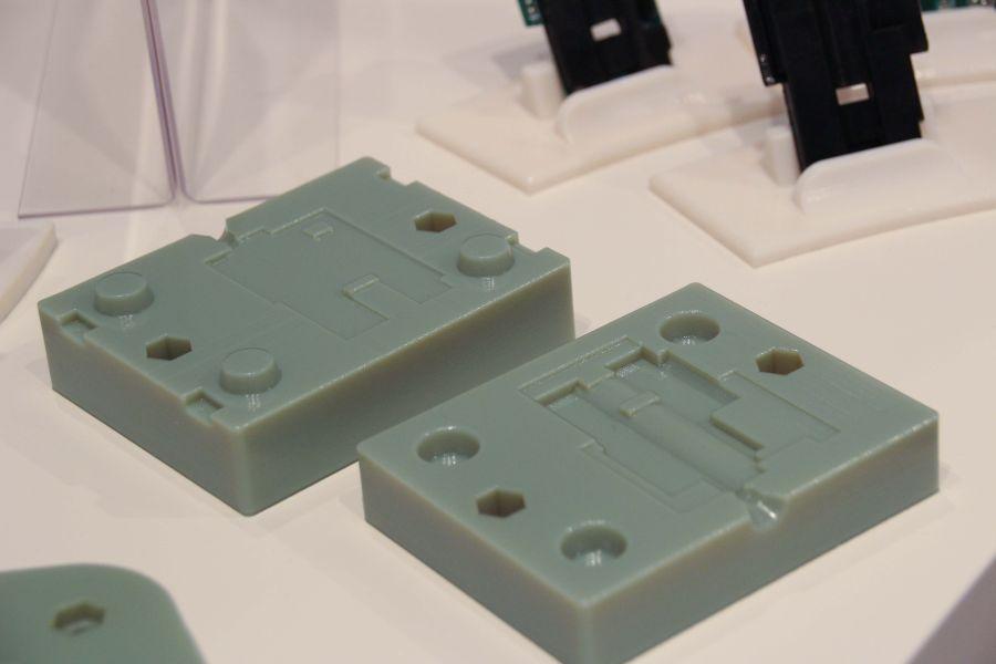 Ook op Formnext waren er voorbeelden te vinden van 3D geprinte spuitgietmatrijzen, zoals bij Stratasys dat veel van deze toepassing verwacht.