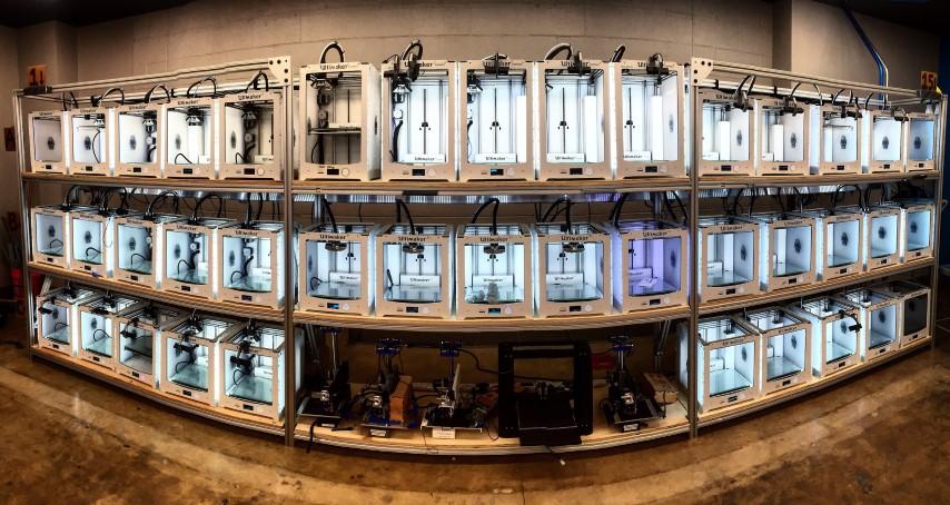 3DPrinterOS stuurt meer dan 50 Ultimakers aan