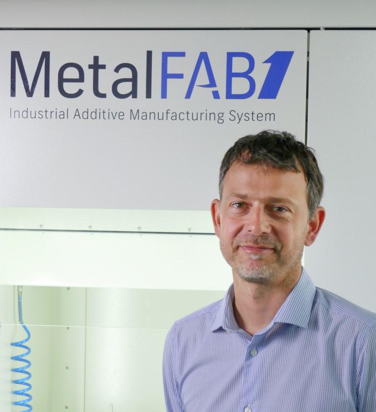 Photo of Mark Beard versterkt team Additive Industries