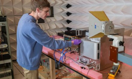 NASA Refabricator verwerkt plastic tot filament aan boord ISS-ruimtestation
