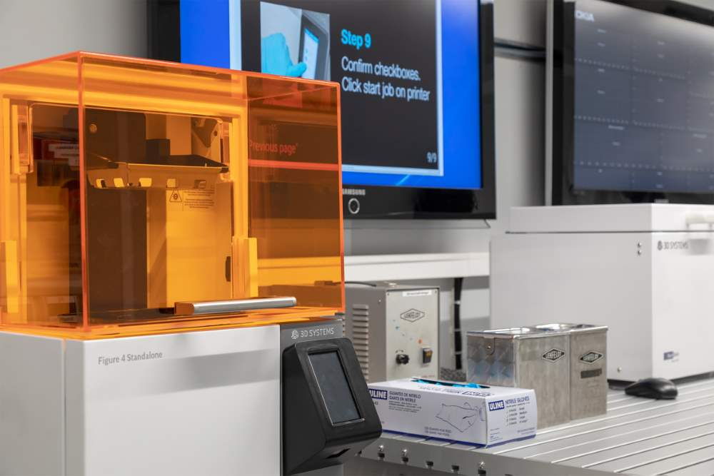 Photo of Nokia's mobiele fabriek met Figure 4 3D printer