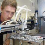 Fontys-student ontwikkelt 3D geprinte grijper voor high tech machine