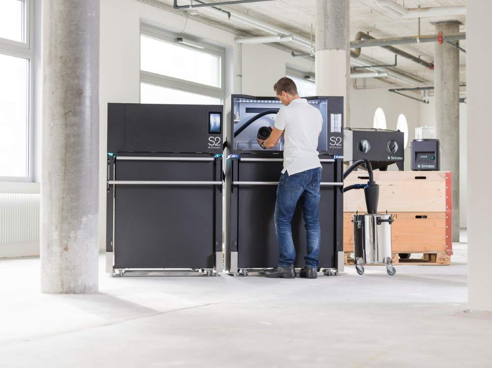 Photo of Sintratec S2 ondersteunt EvoBus bij uitrol 3D printen